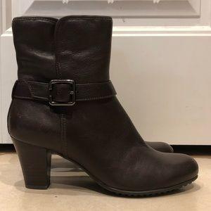 NEW Clarks booties / heeled booties